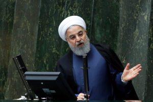Irano prezidentas dėl krizės savo šalyje kaltina D. Trumpą