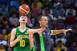 Ką Lietuvos rinktinės krepšininkai prieš atvykstant į stovyklą nuveikė klubuose?