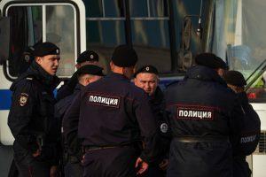 Rusijoje per protestus dėl įkalintų paauglių sulaikyti dešimtys žmonių