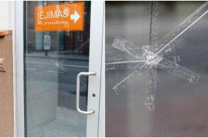 Mįslingi įvykiai: kas šaudo Klaipėdos centre?