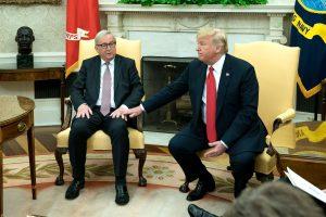 Europos Komisijos pirminininkas ir D. Trumpas susitarė mažinti įtampą dėl prekybos