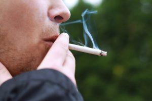 Seimas pritarė akcizų rūkalams didinimo planui