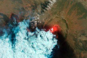 Rusijos Kamčiatkoje ugnikalnis išsviedė net 6 km aukščio pelenų stulpą