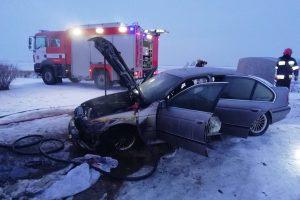 Apsaugojo automobilį: ugniai išplisti neleido... antklodės