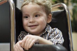 Prašo pagalbos: mažasis Teodoras kovoja su retu smegenų augliu