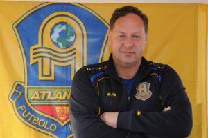 Smūgis Lietuvos futbolui: mirė treneris K. Sarsanija