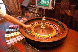 Priklausomybės nuo lošimų slibinas – tik burbulas?
