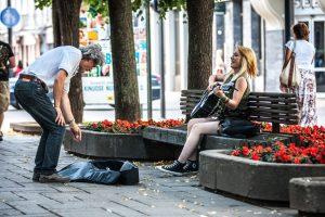 Gatvės muzikantai: mes neelgetaujame