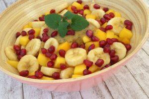 Bananų ir mango salotos