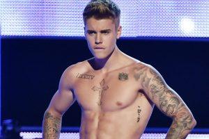 Skandalingasis J. Bieberis yra daugiausiai uždirbantis jaunas artistas
