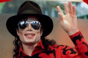 """Policijos ataskaita atskleidžia """"tamsiąją"""" M. Jacksono pusę"""