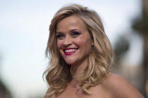 """R. Witherspoon galvoja apie filmo """"Užsispyrusi blondinė"""" tęsinį"""