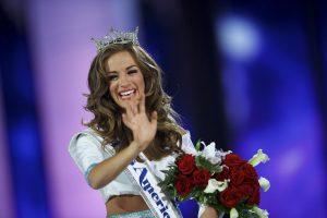 """Naująja """"Mis Amerika"""" karūnuota Džordžijos gražuolė"""