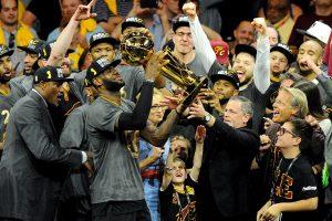 """Klivlando """"Cavaliers"""" krepšininkai pirmą kartą tapo NBA lygos čempionais"""