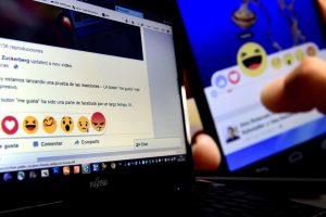 """Facebook"" griežtina kovą su propaganda"