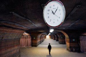 Sekmadienį suksime laikrodžių rodykles