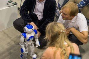 Technologijų mugėje Kaune – robotų kovos ir stebinančios inovacijos