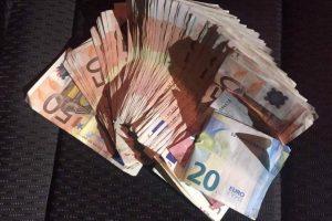 Visaginų pareigūnų nesuviliojo ir 1 tūkts. eurų kyšis