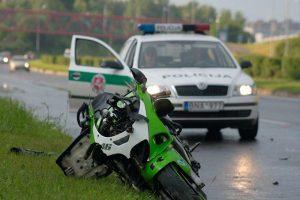 Motociklo avarijos kaltininkas – veidrodėlyje atsispindėjusi saulė