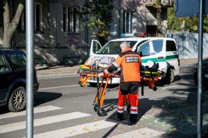 Kruvinas pirmadienis šalies perėjose: sužaloti penki pėstieji
