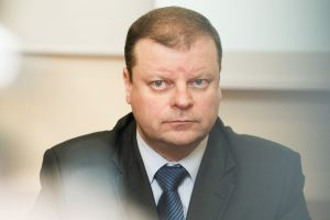 S. Skvernelis su merais aptars kelių priežiūrą ir plėtrą
