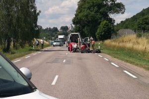 Kauno rajone sunkvežimio vairuotojo priekaba kliudė du dviratininkus, vienas žuvo