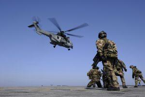 JAV sraigtasparniai surengė naujas atakas Libijoje