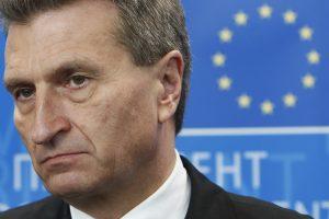 Kinija peikia eurokomisarą dėl pasisakymų apie siauraakius