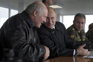 """NATO: pratybomis """"Zapad"""" Rusija nori įbauginti Baltijos šalis"""