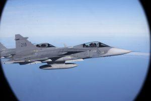 Virš Baltijos jūros – pavojingas NATO žvalgybos ir keleivinio lėktuvų suartėjimas