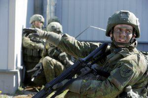 Britų vadovaujama NATO kovos grupė atvyko į Estiją