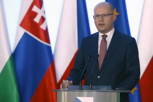 Čekijos premjeras prašo D. Britanijos sustabdyti neapykantos atakas