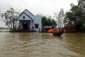 Potvyniai Konge nusinešė mažiausiai 50 gyvybių