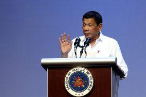 Filipinų prezidentas nutrauks karinius ryšius su JAV?