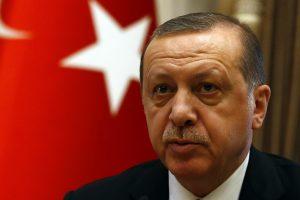 Turkijoje prasideda įtariamų perversmininkų teismas
