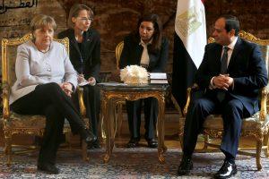 Vizitu į Egiptą A. Merkel siekia pažaboti migrantų srautą