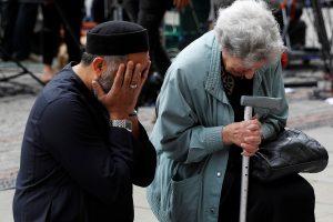 Įtariamo Mančesterio sprogdintojo tėvas neigia sūnaus kaltę
