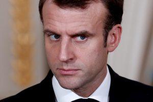 Apklausa: trys ketvirtadaliai prancūzų nepatenkinti E. Macrono politika