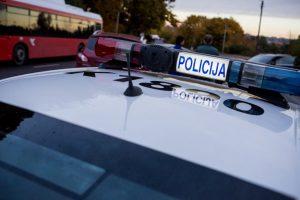 Vilniuje girtas vairuotojas sužalojo stotelėje buvusią moterį