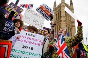 """ES lyderiai reikalauja aiškių D. Britanijos argumentų """"Brexitui"""" atidėti"""