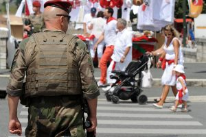 Prancūzijoje sulaikyti aštuoni žmonės, kaltinami išpuoliu Nicoje