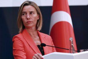 ES ragina Turkiją užtikrinti demokratiją