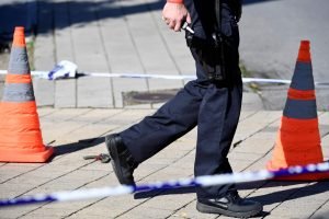 Išpuolis Briuselyje: peiliu sužeisti du policininkai