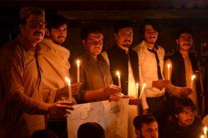 Sprogimas Pakistano šventovėje: žuvo mažiausiai 25 žmonės