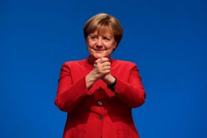 "Apdaužyta Europos ""karalienė"" žengia toliau"