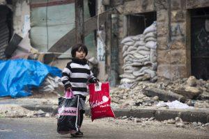 Civiliai ir kovotojai galės evakuotis iš Alepo