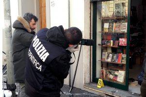Per sprogimą Italijoje policininkas neteko akies ir rankos