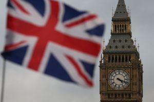 """Britanijos parlamentarai nenoriai pritarė """"Brexit"""""""
