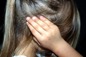 Kaune – sugyventinio smurtas prieš mažametę