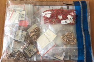 Už nelegalią prekybą aukso gaminiais gresia ir kalėjimas